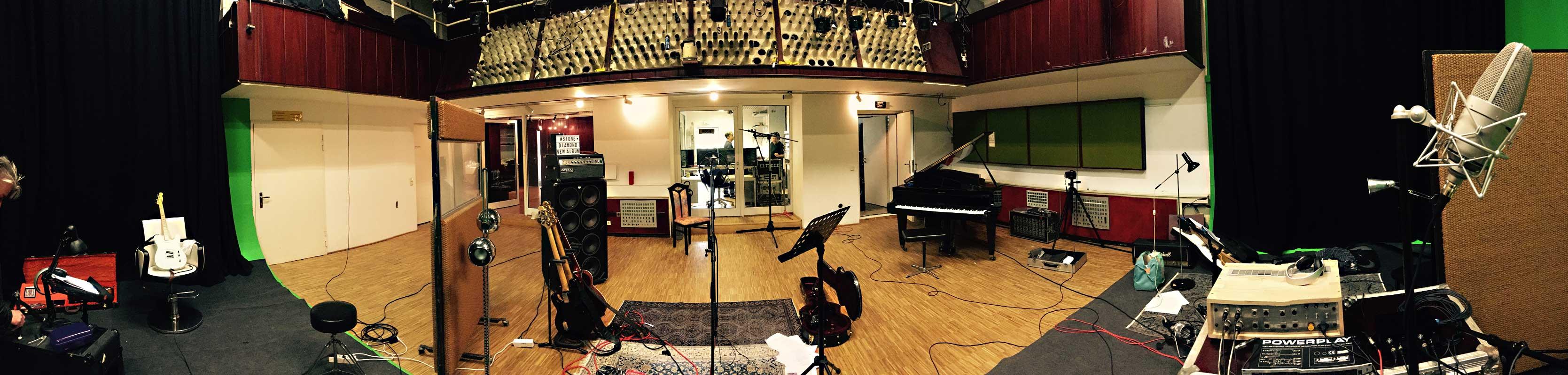 Studio-Pano2